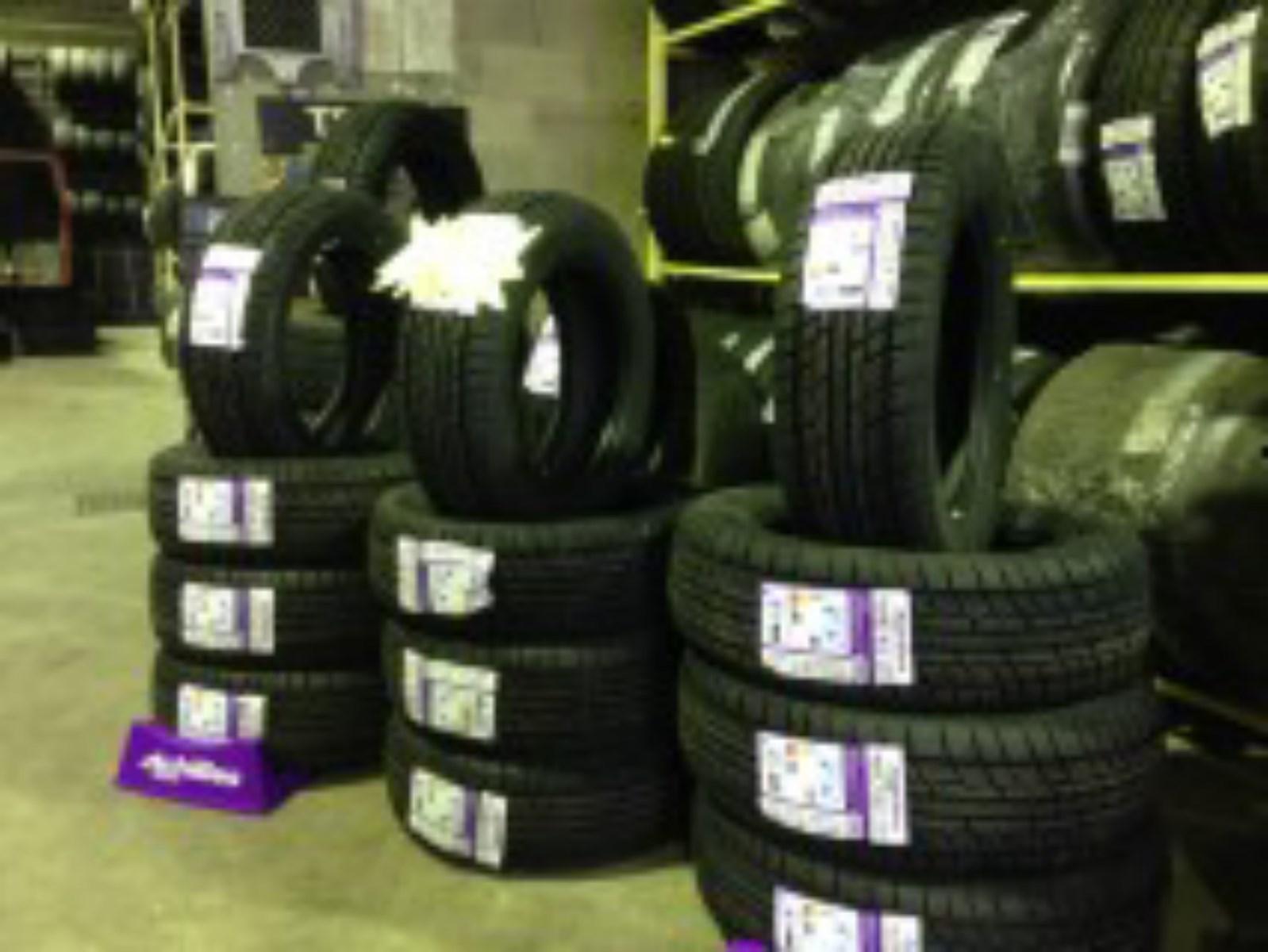 pneu neige petit prix pr s du grau du roi vente de pneus neufs et d 39 occasion montpellier. Black Bedroom Furniture Sets. Home Design Ideas