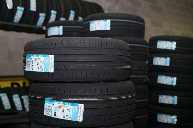 vente de pneus neufs et d 39 occasion montpellier comptoir du pneu. Black Bedroom Furniture Sets. Home Design Ideas