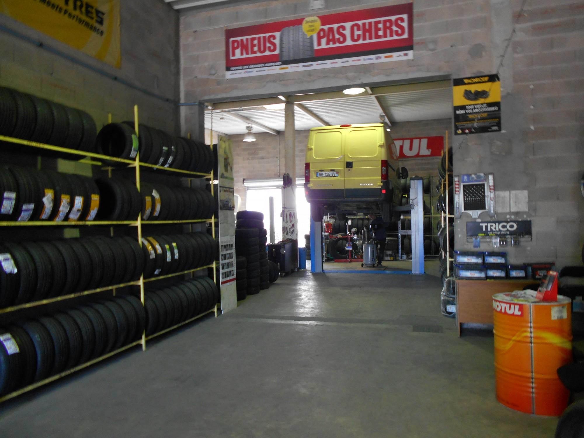 nos prestations vente de pneus neufs et d 39 occasion montpellier comptoir du pneu. Black Bedroom Furniture Sets. Home Design Ideas
